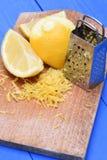 Пыл плодоовощ лимона плодоовощ и лимона с теркой Стоковые Изображения RF