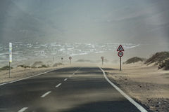 Пыльная буря Calima - облако песка дунутое внутри от Сахары, Lanz Стоковая Фотография
