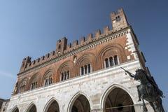 Пьяченца: Аркада Cavalli, главная площадь города стоковые изображения