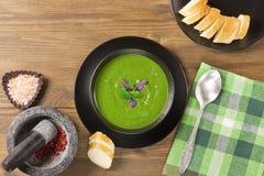 Пюре супа брокколи очень вкусное сметанообразное стоковые изображения