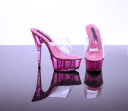 Пятки розовой платформы высокие Стоковое фото RF