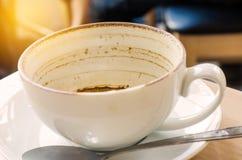 Пятна кофе в белом стекле Стоковые Изображения