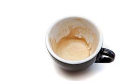 Пятно кофе в черной чашке на белой изолированной предпосылке Стоковые Фотографии RF