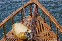 Плавайте готовое на палубе старомодной яхты Стоковые Фото