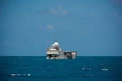 Плавание грузового корабля в Индийском океане Стоковое Фото