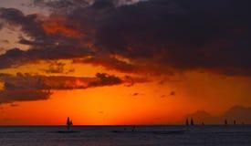 Плавание захода солнца Стоковая Фотография RF