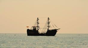 Плавание корабля на море Стоковые Фотографии RF