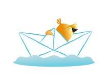 Плавание птицы в бумажной шлюпке Стоковые Изображения