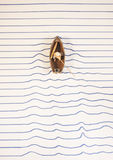 Плавание шлюпки на бумаге Стоковое Изображение RF