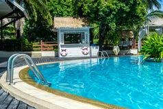 Плавательный бассеин курорта гостиницы Стоковая Фотография RF