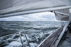 Плавать в шторме стоковая фотография
