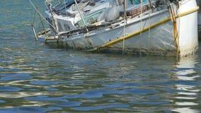 Плавать развалины яхты акции видеоматериалы
