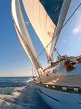 Плавать яхта стоковая фотография