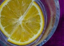 Плавая апельсин Стоковое Изображение RF
