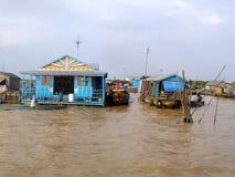 Плавая деревня на Меконге в Камбодже Стоковые Изображения RF
