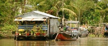 Плавая дом в перепаде Меконга, Вьетнам Стоковое Изображение RF
