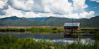 Плавая дом фермы на озере Inle Стоковое Изображение