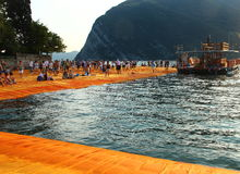 Плавая пристани, озеро Iseo, Италия Стоковая Фотография RF