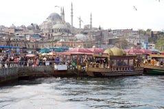 Плавая рестораны рыб в Стамбуле Стоковое фото RF