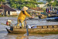 Плавая рынок, перепад Меконга, Can Tho, Вьетнам Стоковое Изображение RF