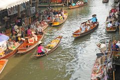 Плавая рынок, Damnoen Saduak, Таиланд Стоковая Фотография