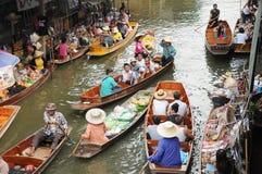 Плавая рынок, Damnoen Saduak, Таиланд Стоковое Изображение RF