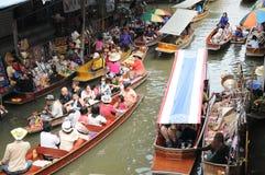 Плавая рынок, Damnoen Saduak, Таиланд Стоковые Изображения RF