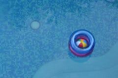 Плавая спасатель Стоковые Изображения RF