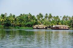 Плавучие дома в Allepey, Керале стоковое фото rf