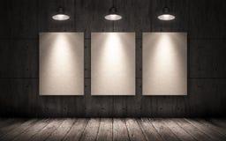 3 плаката вися на стене в промышленном интерьере Насмешка вверх Стоковое Изображение RF