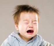 плакать ребёнка стоковое изображение
