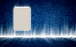 Плакат в загадочном накаляя голубом интерьере, предпосылке, шаблоне Стоковые Изображения RF