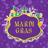 Плакат марди Гра с маской, шариками, трубой, барабанчиком, fleur de lis, шляпой шута, масками Стоковое Фото