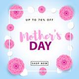Плакат продажи дня матерей Творческая предпосылка с цветками и le Стоковое фото RF