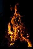 Пламена пожара на черной предпосылке Стоковое Фото