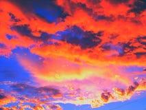 пламенистое небо Стоковые Фотографии RF
