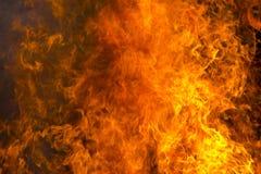 пламени пожара предпосылки напольное черного горящего открытое померанцовое Стоковая Фотография