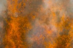 пламени пожара предпосылки напольное черного горящего открытое померанцовое Стоковые Фотографии RF