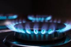 Пламя газовой горелки на газовой плите Стоковое Изображение RF