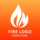Пламя дизайна логотипа огня на предпосылке цвета огня иллюстрация штока