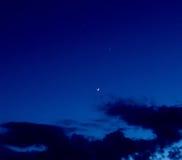 Планета Венера и серповидная луна Стоковое Изображение RF