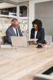 Планировать совместно в зале заседаний правления компании Стоковая Фотография RF