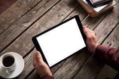 Планшет с изолированным экраном в мужских руках Стоковые Изображения