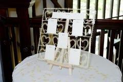 План рассадки гостей за столом свадьбы Стоковые Фото
