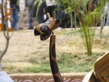 Пластичная игрушка с головой жирафа стоковое фото rf