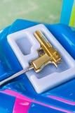 Пластичное оружие игрушки для видеоигры аркады Стоковая Фотография RF