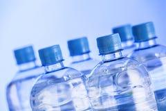 Пластичные бутылки воды Стоковые Фото