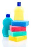 Пластичные детержентные бутылки с губками Стоковое Изображение