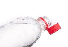 Пластичные изолированные бутылки питьевой воды Стоковые Фото