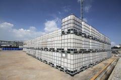 Пластичный химический танк стоковые фото